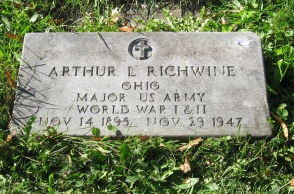 RIDGELAWN CEMETERY - 10-17-2017 - ARTHUR L RICHWINE GRAVESTONE