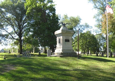 RIDGELAWN CEMETERY - 10-17-2017 - LONG DISTANCE VIEW OF EAGLE ON MONUMENT